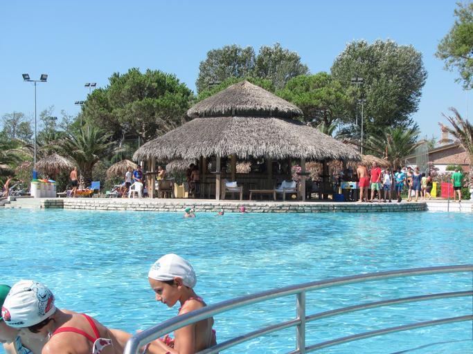 exotický bazén