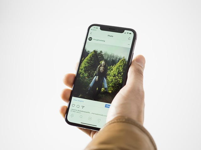 Instagram mileniál smartphone