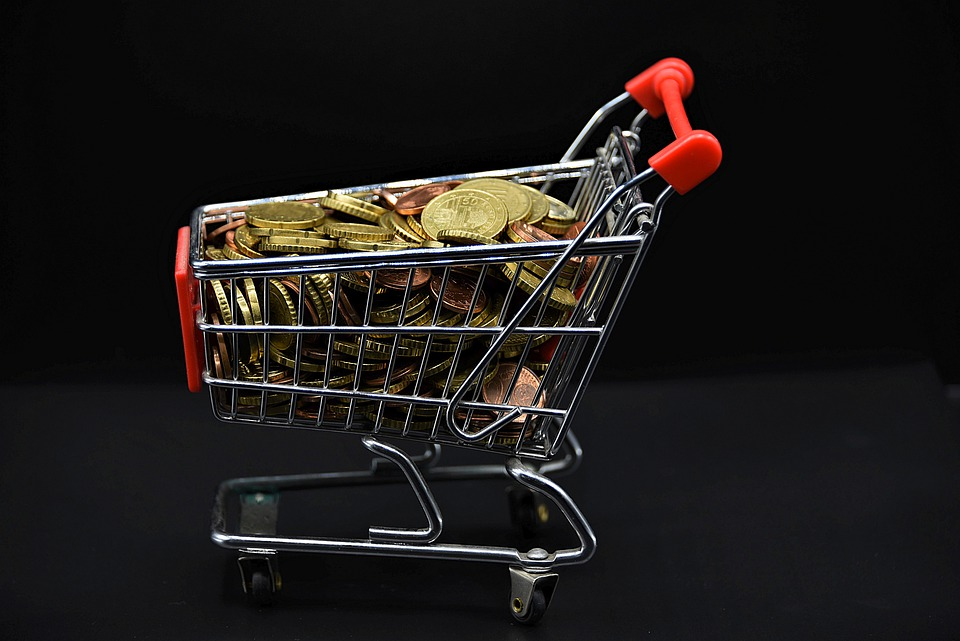košík s mincemi