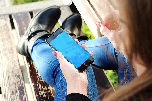 obal na smartphone